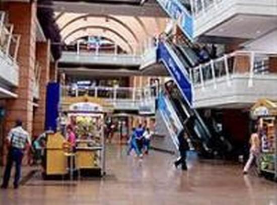 Foto caracas centro comercial plaza las americas - Imágenes y fotos de Caracas - 550x407  - Autor: Rhys, Foto 1 de 32