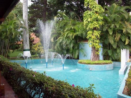 Foto caracas club campestre los cortijos - Imágenes y fotos de Caracas - 550x412  - Autor: Rhys, Foto 1 de 32
