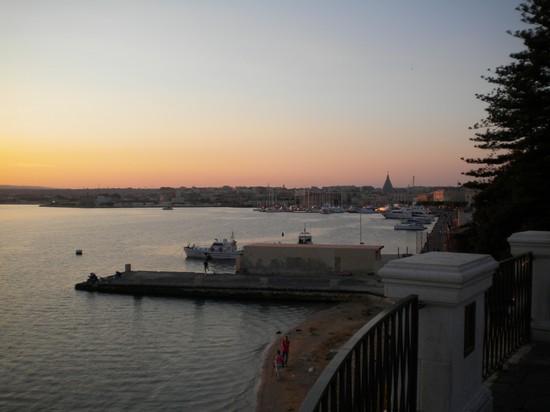 Photo panorama da largo aretusa siracusa in siracusa for Hotel panorama siracusa