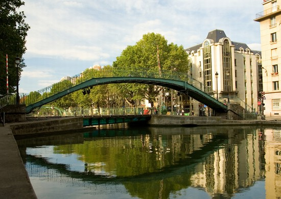 Photo paris canal saint martin a paris in Paris - Pictures and Images of Paris - 550x390  - Author: Editorial Staff, photo 1 of 636