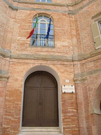 Foto gubbio municipio - Imágenes y fotos de Gubbio - 350x468  - Autor: Redacción, Foto 7 de 73