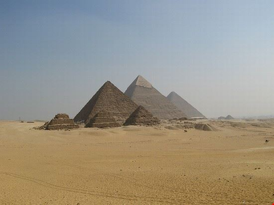 34566 cairo pyramids of giza