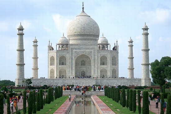 Photo Historic Building in Agra - Pictures and Images of Agra - 550x366  - Author: Ekaja, photo 1 of 22