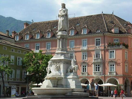 Photo bozen waltherplatz in bozen photos de bolzano et for Bozen boutique hotel