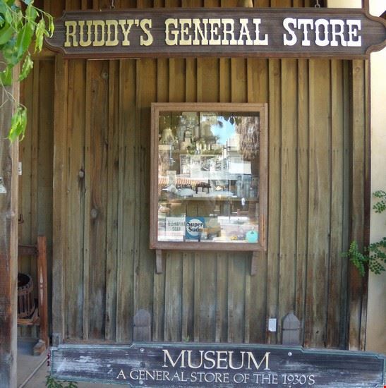 Ruddy's General Store Market