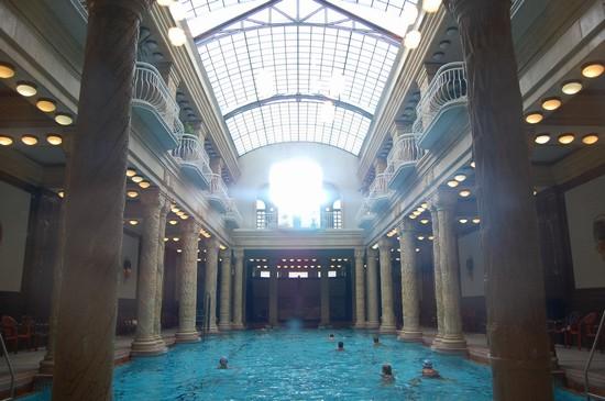 TURKISH BATH HOUSES a BUDAPEST