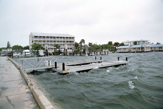 Photo N. Roosevelt Boulevard in Key West - Pictures and Images of Key West