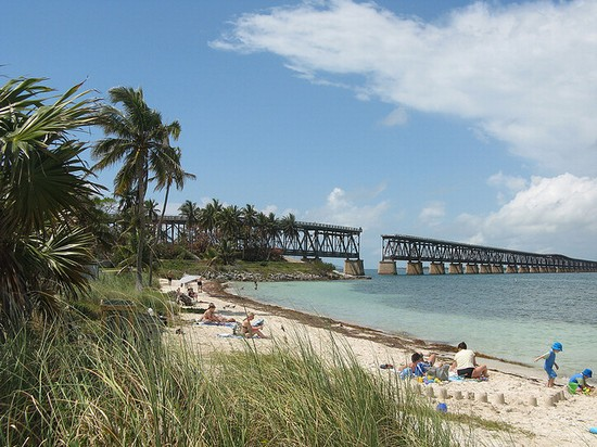 Photo Best Beaches - Bahia Honda Beach in Key West - Pictures and Images of Key West - 550x412  - Author: Joanna, photo 1 of 25