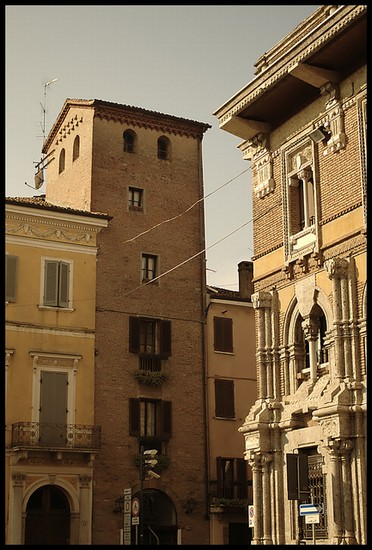 Photo mantua mantua via calvi in Mantova - Pictures and Images of Mantova - 372x550  - Author: Editorial Staff, photo 4 of 94