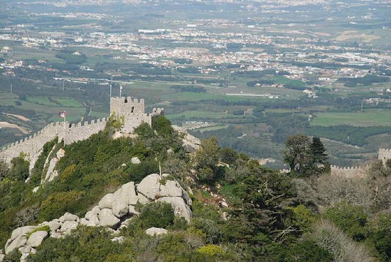 Photo sintra castillo dos mouros in Sintra - Pictures and Images of Sintra - 550x369  - Author: Editorial Staff, photo 1 of 62