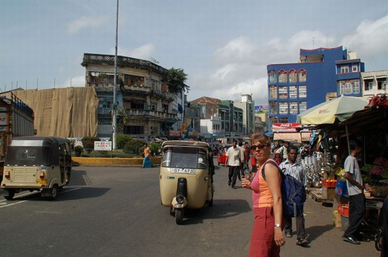 Photo Neighborhood in Colombo - Pictures and Images of Colombo 