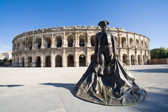 TRAVEL GUIDE a NIMES
