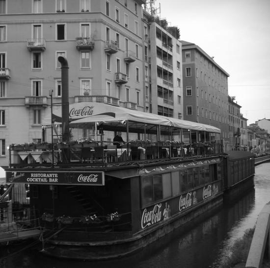 Foto Barconi sui Navigli a Milano - 550x547  - Autore: Daniela, foto 7 di 295