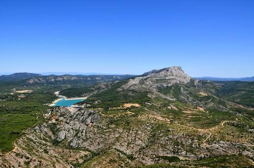 Photo aix en provence montagne sainte victoire in aix en for Cote commerce aix en provence