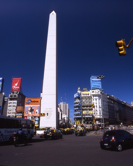 Foto avenida 9 de julio  obelisco buenos aires - Imágenes y fotos de Buenos Aires - 443x550  - Autor: Dina, Foto 3 de 230