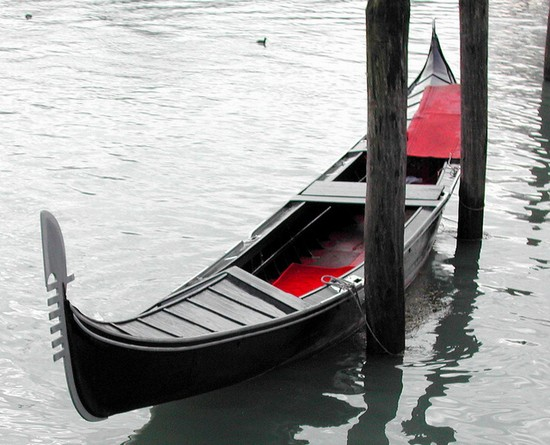 Photo venecia gondola in Venice - Pictures and Images of Venice - 550x445  - Author: Editorial Staff, photo 4 of 720