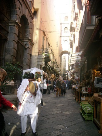 Photo via san gregorio armeno la via dei presepi e dei presiepari napoli in Naples - Pictures and Images of Naples