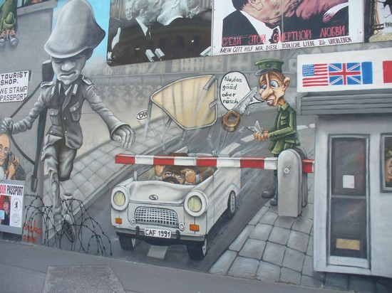 Photo Il muro ( East side gallery ) in Berlin - Pictures and Images of Berlin