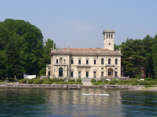 Photo villa erba como in Como - Pictures and Images of Como - 550x412  - Author: Lorenzo, photo 14 of 75