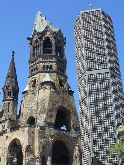 Photo gedaechtniskirche berlino in Berlin - Pictures and Images of Berlin - 414x550  - Author: Lorenzo, photo 1 of 491