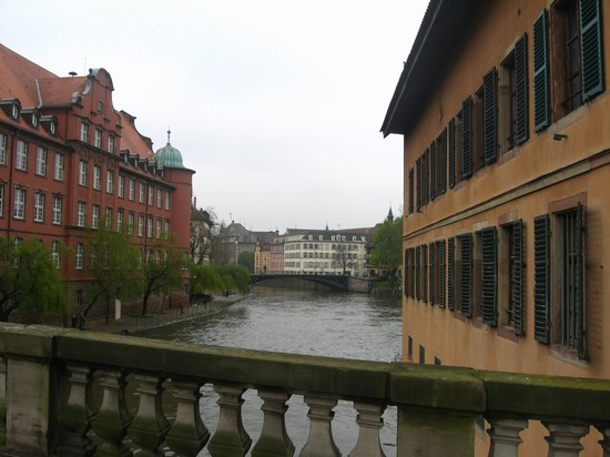 Photo ponti lungo il fiume reno strasburgo in Strasbourg - Pictures and Images of Strasbourg 