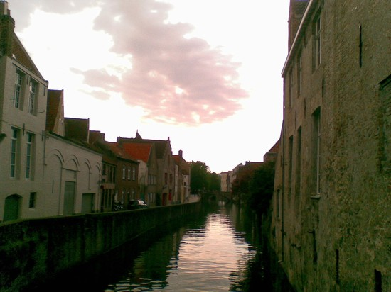 Photo bruges canals bruges in Bruges - Pictures and Images of Bruges - 550x412  - Author: Valerio, photo 6 of 132