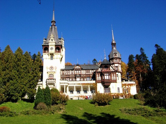 Photo sinaia castello di peles bucarest in Bucharest - Pictures and Images of Bucharest - 550x412  - Author: Ernesto, photo 49 of 95
