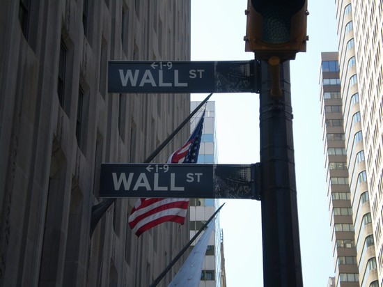 Photo all'angolo di Wall STreet in New York - Pictures and Images of New York
