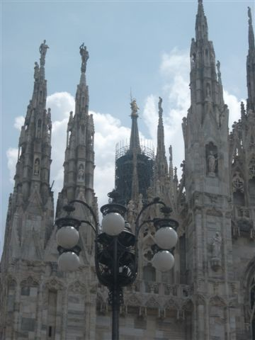 Foto madonnina duomo milano a milano 360x480 autore for Bar madonnina milano