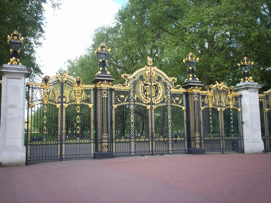 Photo entrata di green park londra in London - Pictures and Images of London - 550x412  - Author: Roberta, photo 1 of 820