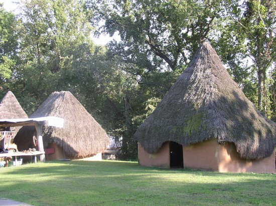 CHUCALISSA INDIAN VILLAGE a MEMPHIS