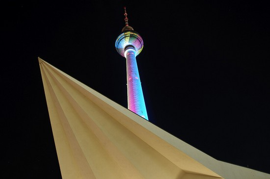 Photo berlin fernsehturm in Berlin - Pictures and Images of Berlin - 550x365  - Author: Editorial Staff, photo 2 of 483