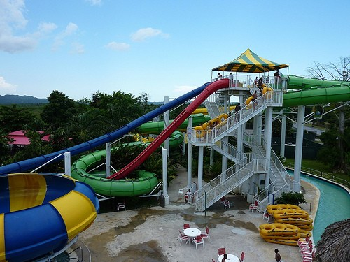 KOOL RUNNINGS WATERPARK a NEGRIL