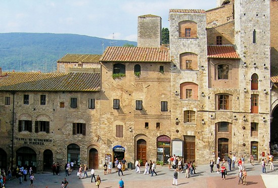 Photo san gimignano torri degli ardinghelli in San Gimignano - Pictures and Images of San Gimignano