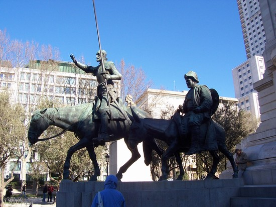 Photo Don Quijote in Madrid - Pictures and Images of Madrid