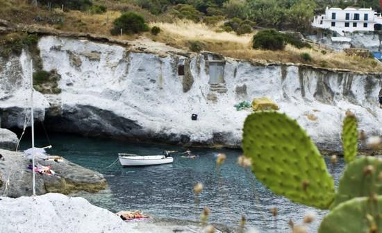 La baia delle piscine naturali isola di ponza - Isola di saona piscine naturali ...