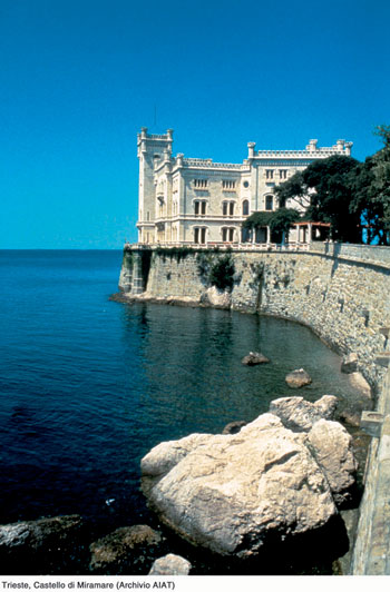 Photo trieste castello di miramare in Trieste - Pictures and Images of Trieste - 350x532  - Author: Editorial Staff, photo 1 of 63