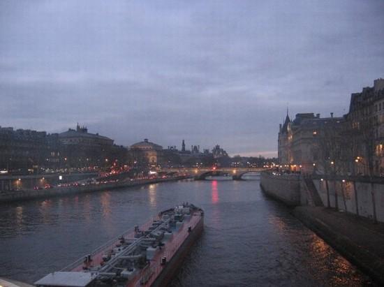 Foto Lungosenna a Parigi - 550x411  - Autore: Giorgia, foto 1 di 690