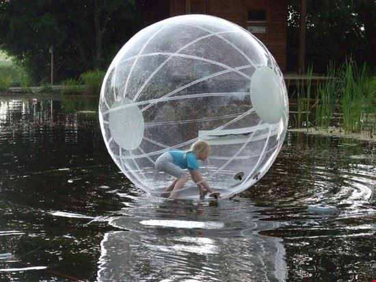 Bubble ball im Holdfenyliget
