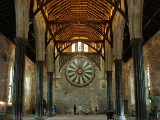 la tavola rotonda dei cavalieri di re artu  winchester