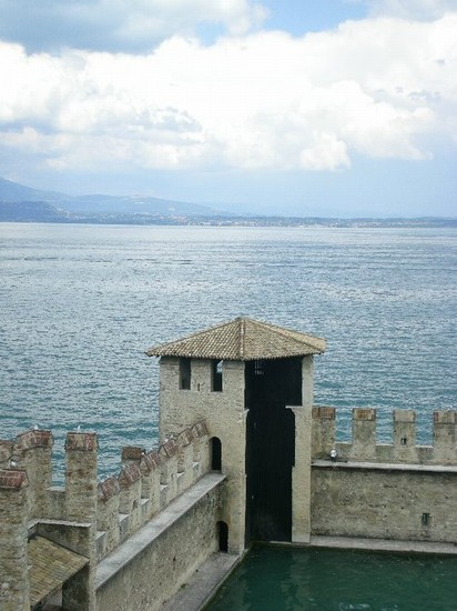 Photo La rocca scaligera in Sirmione - Pictures and Images of Sirmione