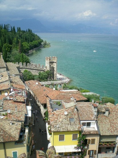 Photo Sirmione dall'alto in Sirmione - Pictures and Images of Sirmione