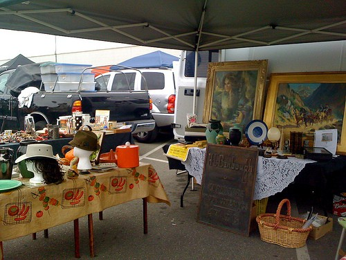 Photo Long Beach Antique Market in Long Beach - Pictures and Images of Long Beach - 500x375  - Author: Nikki, photo 1 of 22