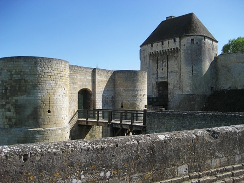 Photo caen chateau de caen in Caen - Pictures and Images of Caen - 500x375  - Author: Editorial Staff, photo 1 of 14