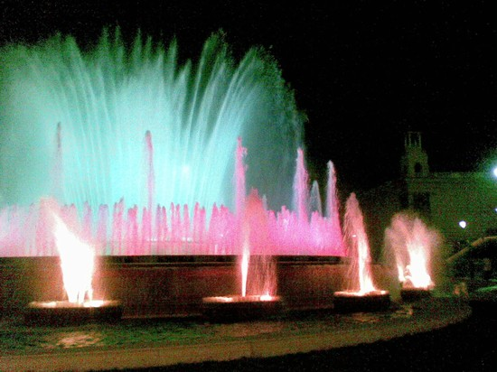 Photo Montjuk - Fontana di sera in Barcelona - Pictures and Images of Barcelona