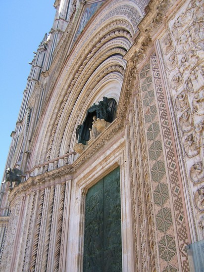 Photo il portale del duomo orvieto in Orvieto - Pictures and Images of Orvieto - 412x550  - Author: Claudia, photo 37 of 44