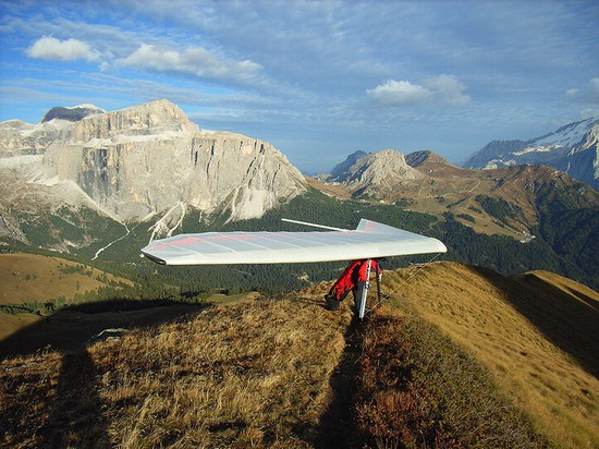 Photo canazei hangglider in Canazei - Pictures and Images of Canazei - 550x412  - Author: Editorial Staff, photo 3 of 38