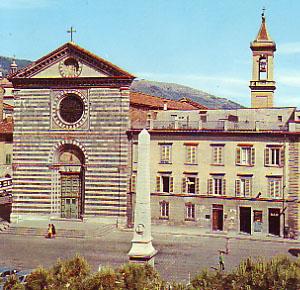 Foto piazza san francesco e chiesa a prato 300x290 for Piazza san francesco prato