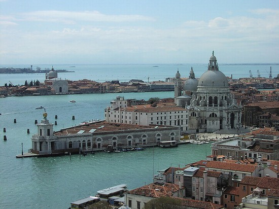 Photo venezia punta dogana e basilica di santa maria della salute in Venice - Pictures and Images of Venice 