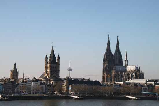 Photo colonia veduta dell  altstadt a colonia in Cologne - Pictures and Images of Cologne - 550x366  - Author: Editorial Staff, photo 1 of 61